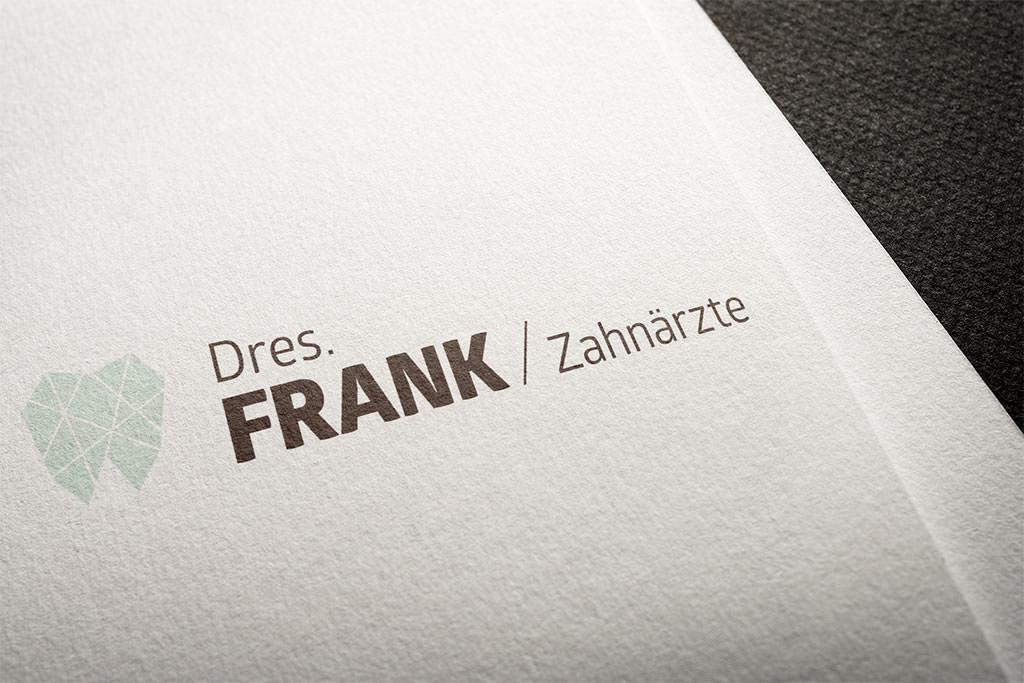 Logogestaltung Logoentwurf Logodesign Zahnarzt Arztpraxen